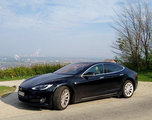 Tesla a atómová elektráreň